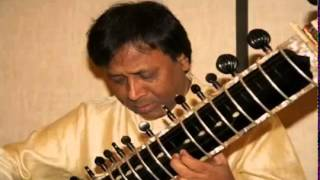 Ustad Shahid Parvez singing and playing Raag Khamaj on sitar