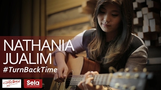 NATHANIA JUALIM - TURN BACK TIME | JAKARTA MUSIC STORE ACOUSTIC SESSIONS
