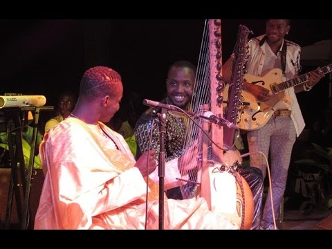 Concert de Kandia Kora & Sidiki Diabaté à Conakry - Part 1