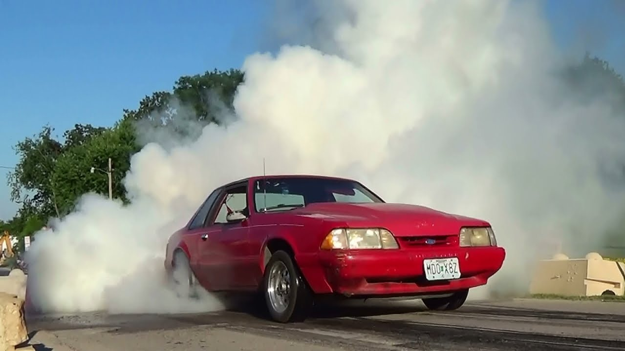 Awesome Burnouts Ford Mustang Fox Body Rod Run In Wright