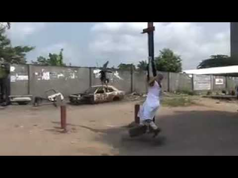 "Performance Art-Marche de soutien/ Apollinaire WANTINA/ Kinshasa 2007"""