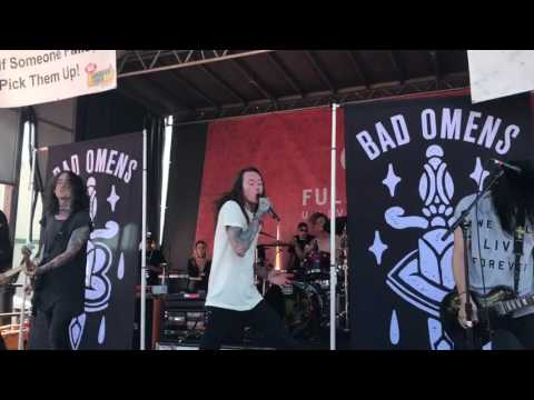 Bad Omens - The Worst In Me (Live on Vans Warped Tour 2017)