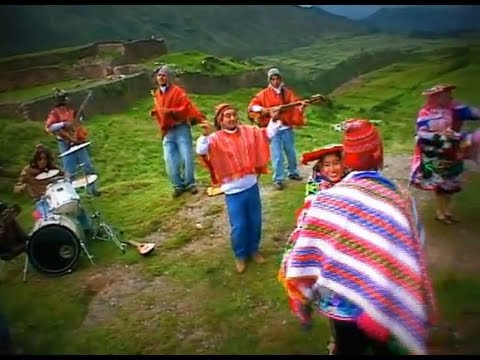 Pueblo Andino - Mix de Huaynos bailables (Video Oficial)