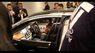 MAYHEM! - FLOYD MAYWEATHER JR LEAVING THE PARK LANE HILTON LONDON IN ROLLS ROYCE AS FANS MOB HIM
