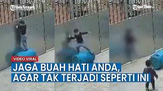 Download lagu Viral Rekaman CCTV Seorang Anak Bermain Tali hingga Berakhir Nahas