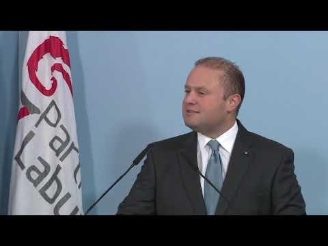 Joseph Muscat jippersisti li jiddefendi lil sħabu flok ir-reputazzjoni ta' Malta