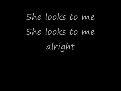 She Looks To Me with lyrics