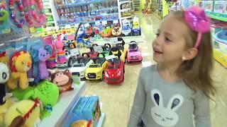 Download Маленький МАЛЫШ Настя и Арина КАК МАМА Куклы БАРБИ и Littlest Pet Shop Видео для детей Mp3 and Videos