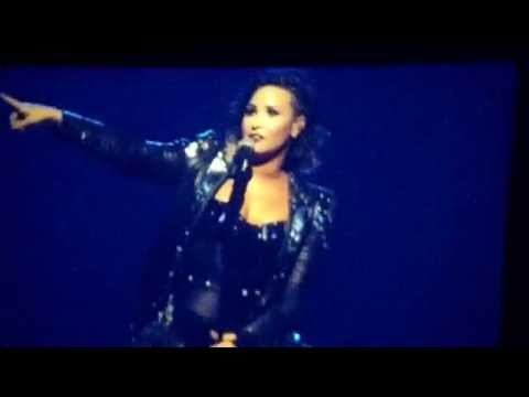 Demi Lovato Talking About Kelly Clarkson | DEMI WORLD TOUR 2014