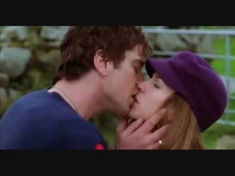 Поцелуй из фильма «P.S. Я тебя люблю»