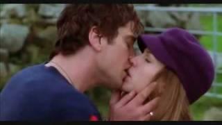 "Поцелуй из фильма ""P.S. Я тебя люблю"""