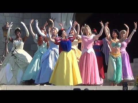 Merida Coronation at Disney's Magic Kingdom - All 11 Disney Princesses Together During Ceremony