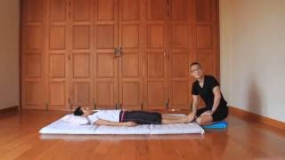 Foot Fold - Reviewing Thai Massage Techniques with Kam Thye Chow