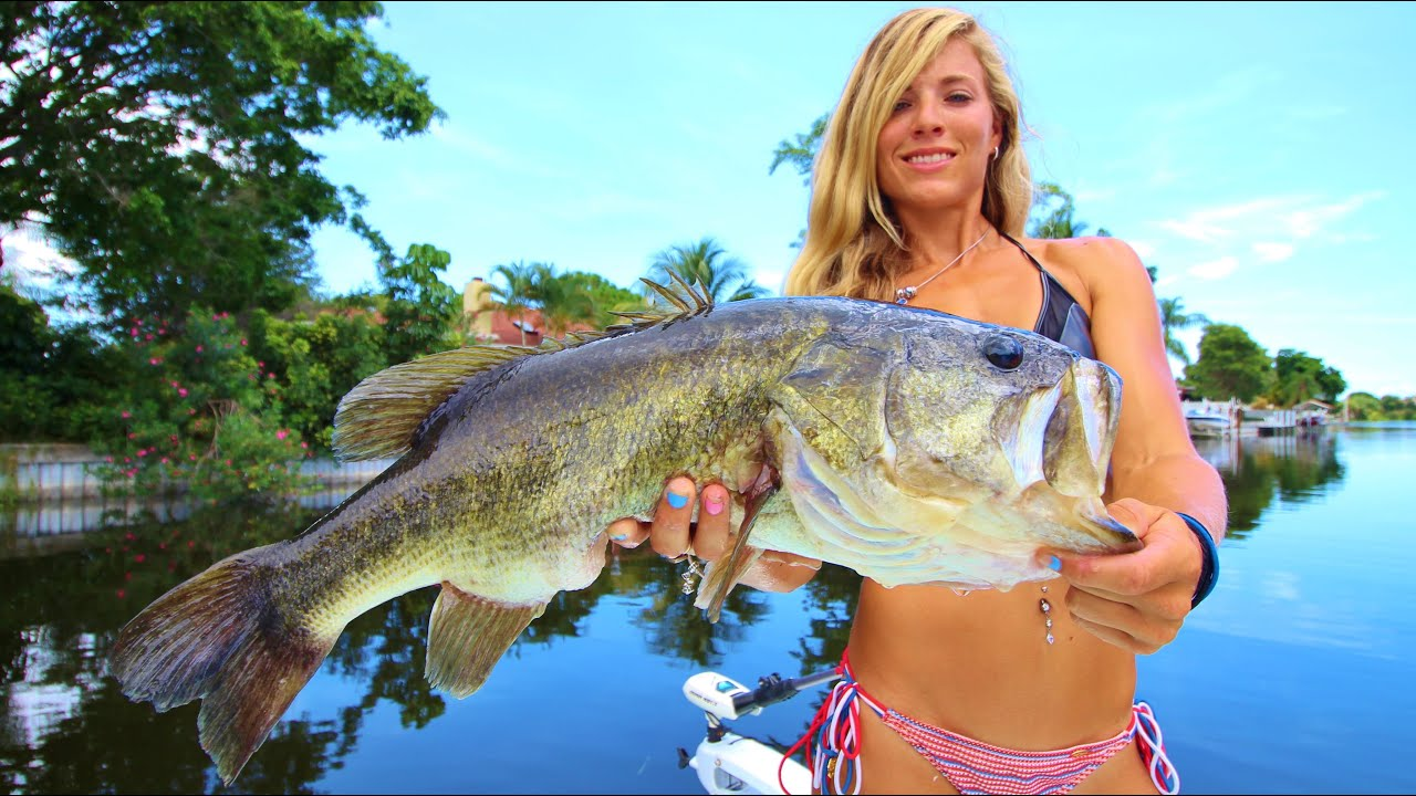 bass on Girl boat fishing
