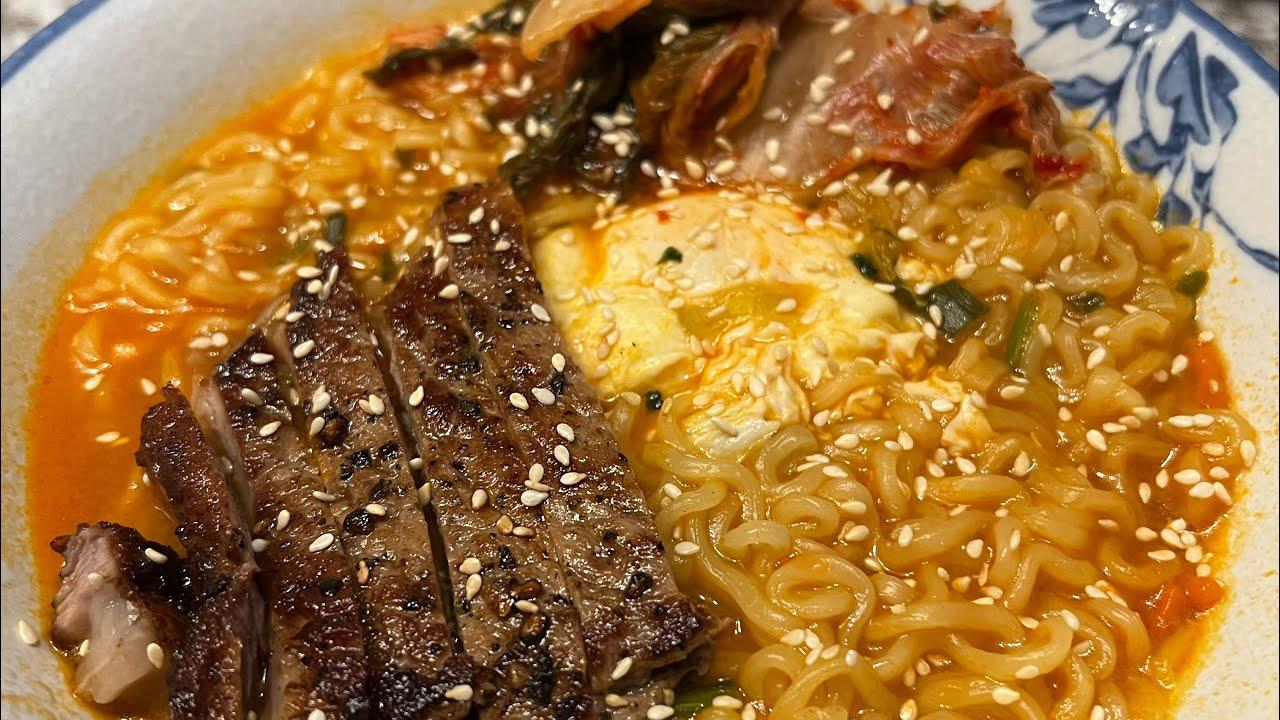 Trying the original Samyang ramen noodles