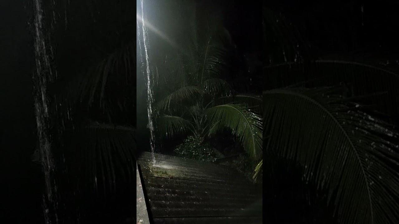 कोकणातल्या पाऊसाचा आवाज ऐका 👂🌧️⛈️⛈️⛈️ #mithbav #kokan #devgad #rainupdates