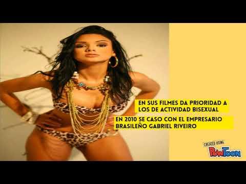 Julia Paes- COMO ENTRO EN LA INDUSTRIA