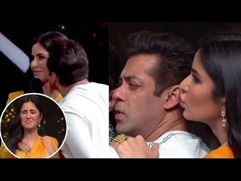 Salman Khan CUTELY KISSES, HUGS Katrina Kaif In Public | Dance India Dance 6