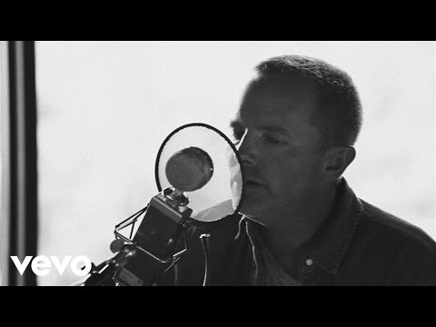 Chris Tomlin - Almighty (Love Ran Red Acoustic Sessions)