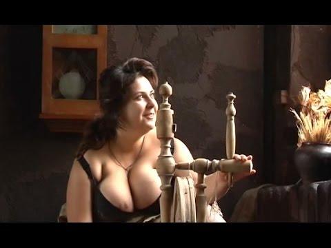 Девушки в форме с большими сиськами на порно-