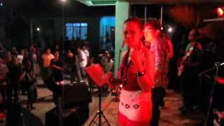 "Feats ""BROADBAND"" @ Sambiray Malay Grand Coronation Night 2011 Vol 003"