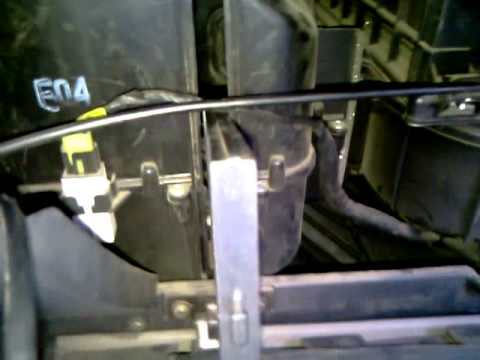 видео урок 1 замена воздушного фильтра салона Hyundai Getz