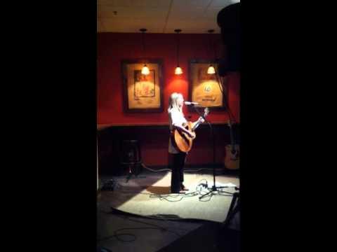 "Toby Lightman  ""Better"" live"