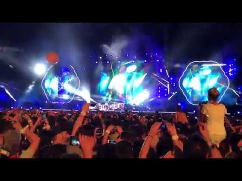 Coldplay Performing De Musica Ligera By Soda Stereo - Argentina