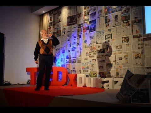 Cómo motivo a mis alumnos: Mario Graside at TEDxDurazno