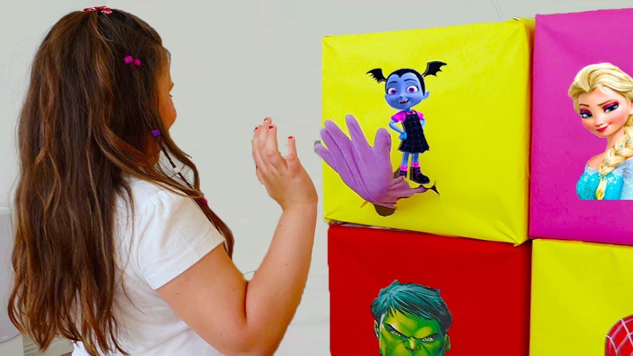 आश्चर्य खिलौने के साथ सुपर हीरो बॉक्स - कम बच्चों की कहानी