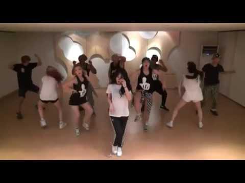 開始線上練舞:Red(鏡面版)-HyunA | 最新上架MV舞蹈影片