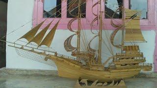 Proses pembuatan Kapal Pinisi