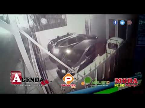 SFM: Video muestra robo en vehículo