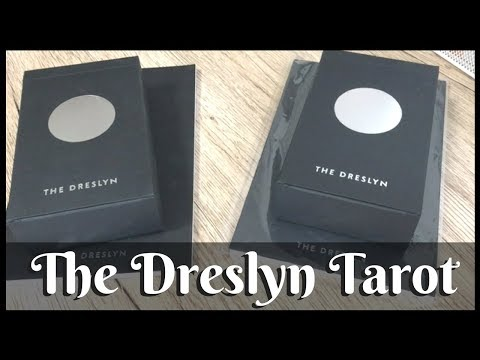 The Dreslyn Tarot - a look at the cards and a chat about my experience about this minimalist deck