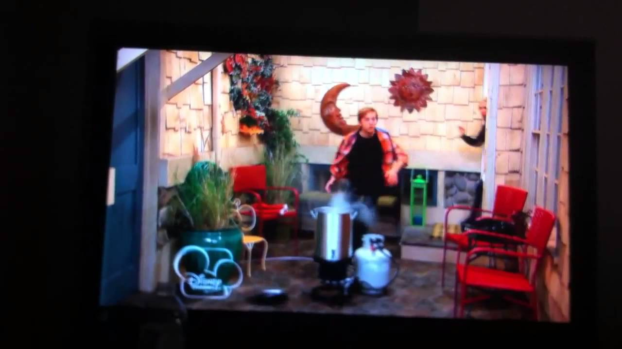 Download Good Luck Charlie - S1E23 It's A Charlie Duncan Thanksgiving Part 2