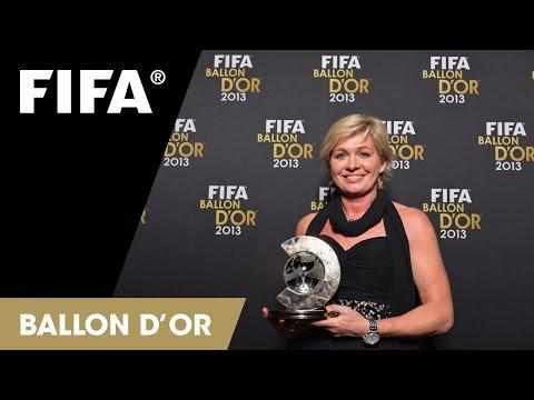 Silvia Neid on winning Women's Coach of the Year 2013 (German)