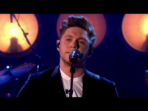 Download lagu gratis Niall Horan - Too Much To Ask [Live on Graham Norton HD] - ZingLagu.Com