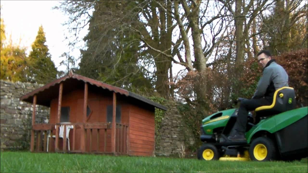 John Deere LR135 Ride-on Mower - PowercutUK - YouTube