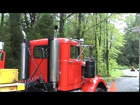 Detroit Diesel 8V71 stack music with big injectors and four valve heads