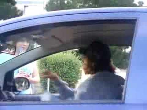 Lode geht im auto ab