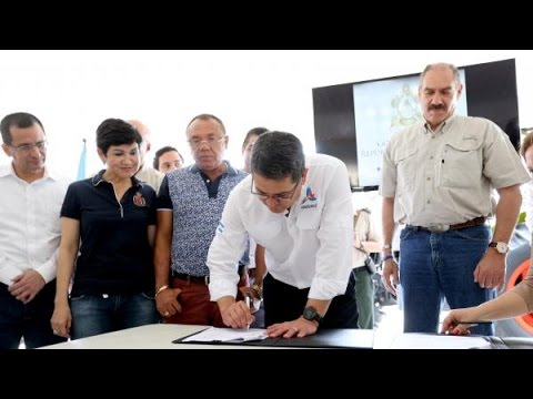 Gobierno y agroindustria firman convenios de compra de cosecha de maíz para periodo