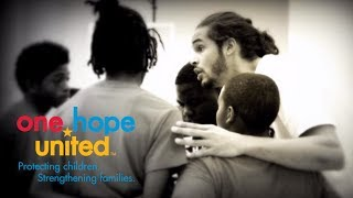 Chicago Bulls' Joakim Noah and One Hope United's Scott Filer GO BLUE for OHU