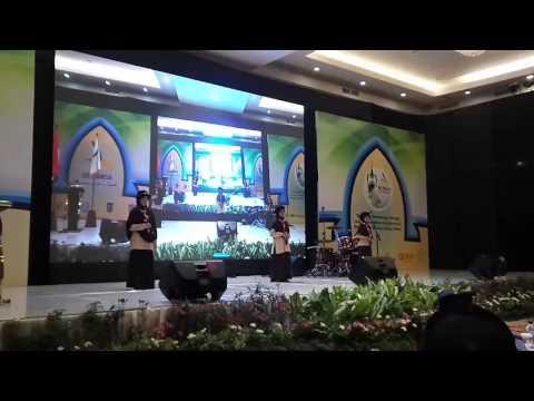 Lagu Ayahku Pejuang oleh siswi SDIT SMPIT Ibadurrahman di Munas JSIT 2017