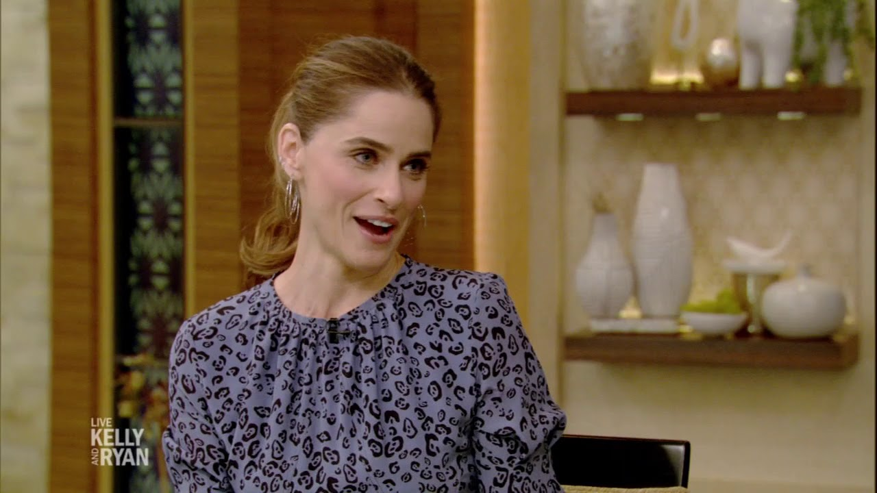 """Amanda Peet Knows How """"Game of Thrones"""" Ends - YouTube"""