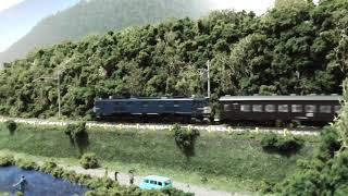 鉄道模型(N)田畑沿いのローカル線を走るEF58(一般色)+43系/オハニ36形