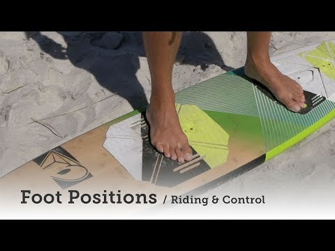 Strapless kitesurfing: Where to place your feet on the surfboard