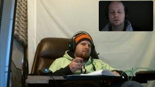 Evildea instruas Esperanton kaj purigas la domon