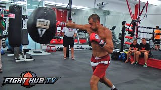 Bernard Hopkns vs. Sergey Kovalev- Full Kovalev workout heavy bag + mitts