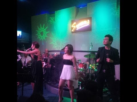 Strumm's Makati: In Heat Band's Medley