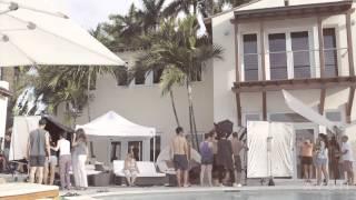 Avon'un Hadise ile birlikte Miami'de gerçekleştirdiği katolog çekim arkası Thumbnail